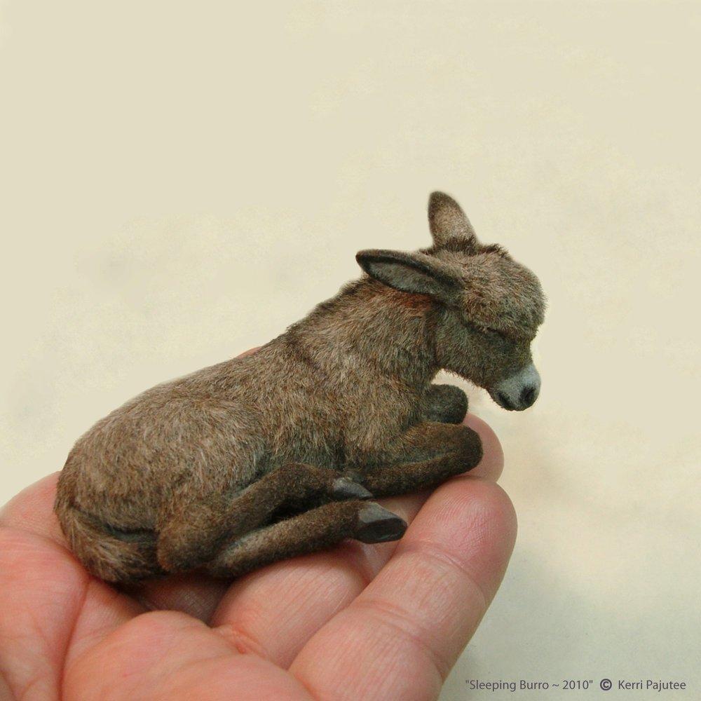 Миниатюрные скульптуры животных, реалистичность которых просто зашкали