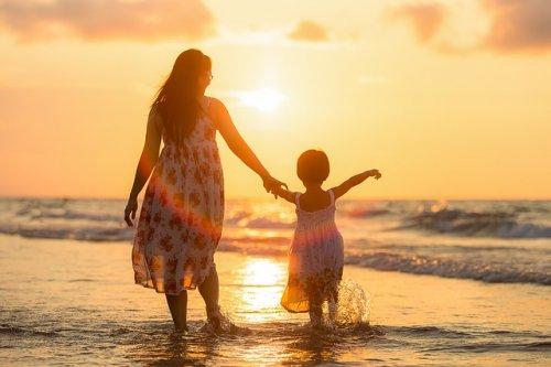 Поздравление ко дню матери в стихах от детей