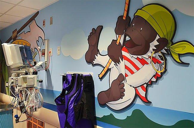 В нью-йоркской детской больнице установили томограф в виде пиратского