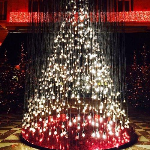 15 креативных новогодних ёлок, чтобы создать вам новогоднее настроение