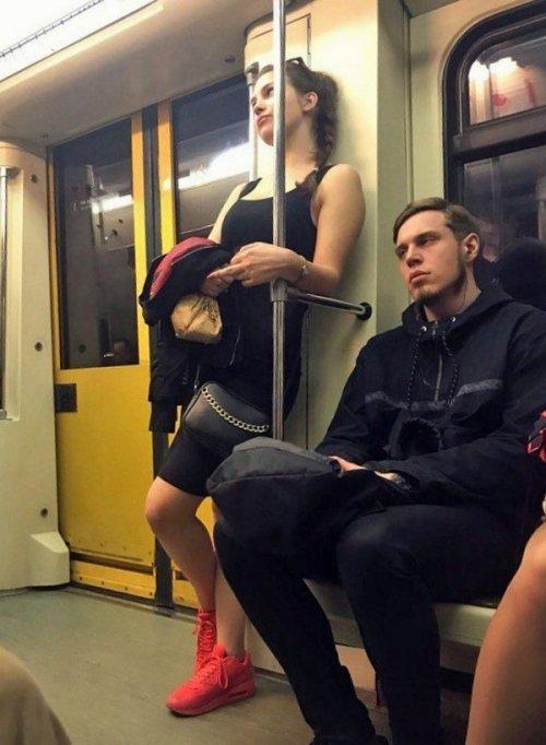 Метро ─ это всегда немного странные и необычные люди (26 фото)