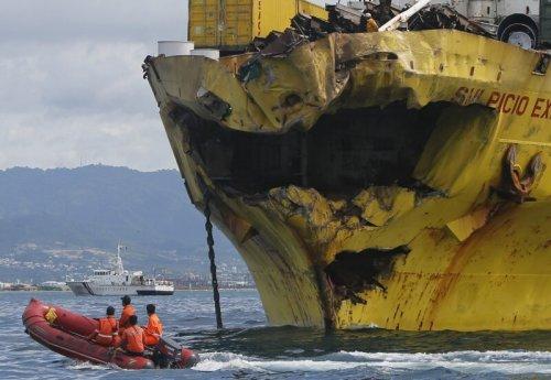 Тяжелая судьба морских судов (26 фото)