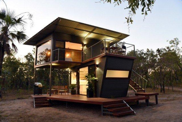 Современный дом из транспортных контейнеров (10 фото)