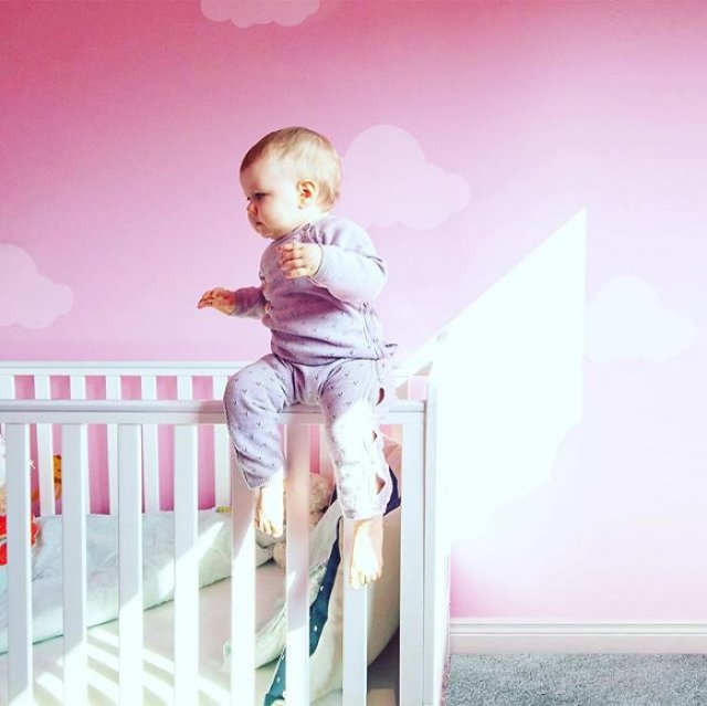 Эти фотографии малышки заставят вздрогнуть даже самых бесстрашных