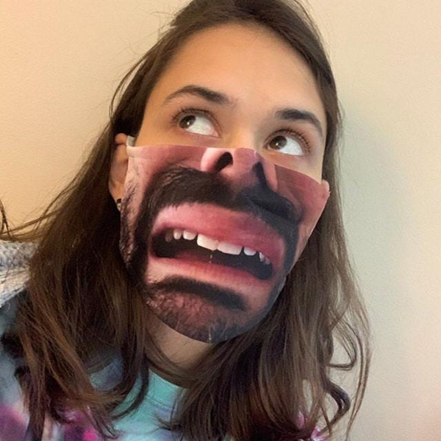 Ультрареалистичные маски для лица, которые поднимут настроение окружающим. ФОТО