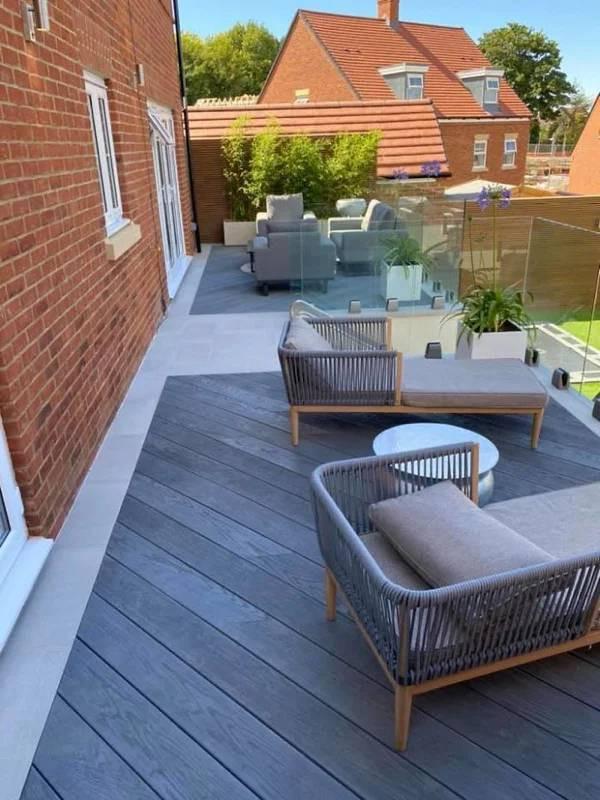 Пустующий задний двор превратили в роскошную зону для отдыха