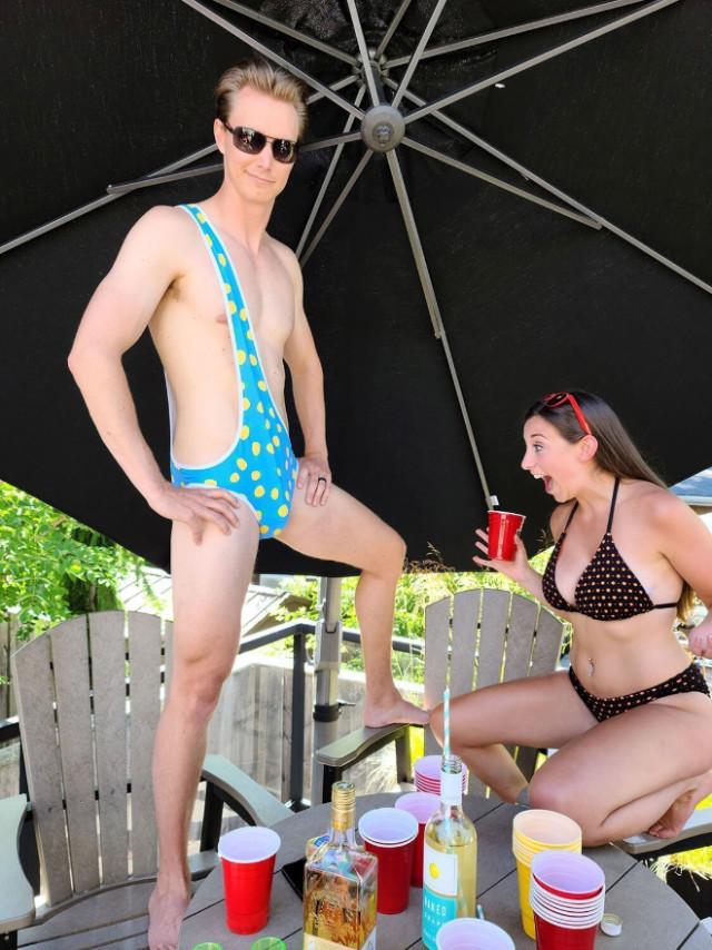Встречайте брокини: бикини для мужчин!