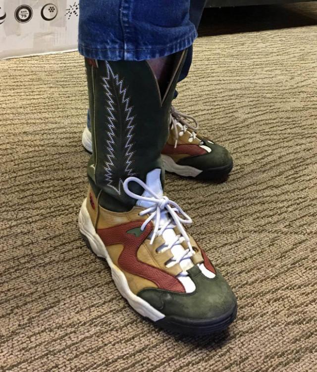 Кроссовки для ковбоев или ковбойские сапоги для ЗОЖников?