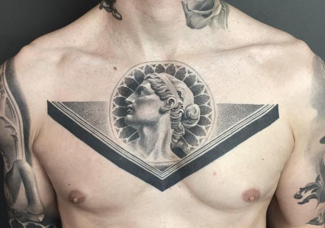 Татуировки в стиле древнегреческого и древнеримского искусства