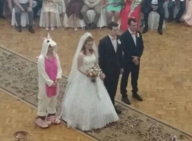Свадебные фотоприколы (19 фото)