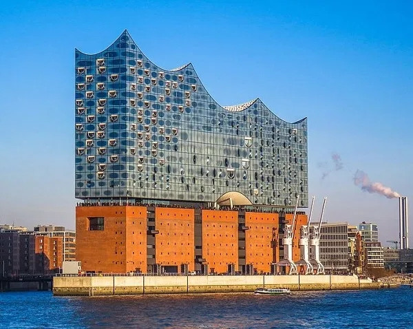 Топ-10: Места, которые обязательно нужно посетить во время поездки в Гамбург