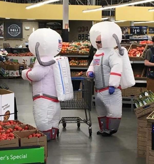 Чудаки и чудачества в Walmart (34 фото)