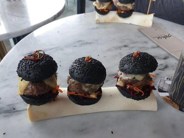 Ещё немного примеров безбашенной подачи блюд