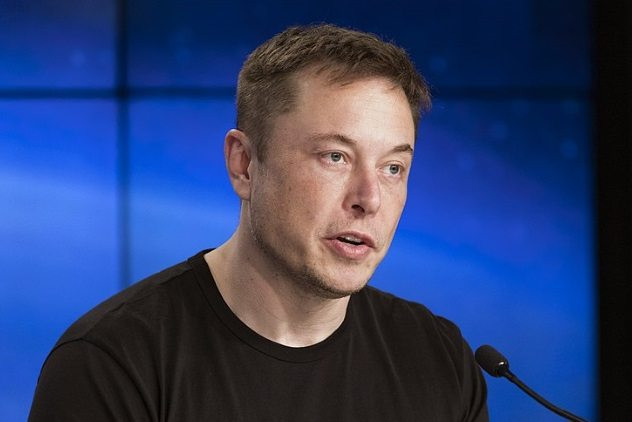 """Топ-10: Факты про работу в компании """"Тесла"""", которые вы точно не знали"""