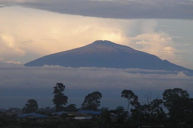 Топ-10: Самые необычные вулканы мира