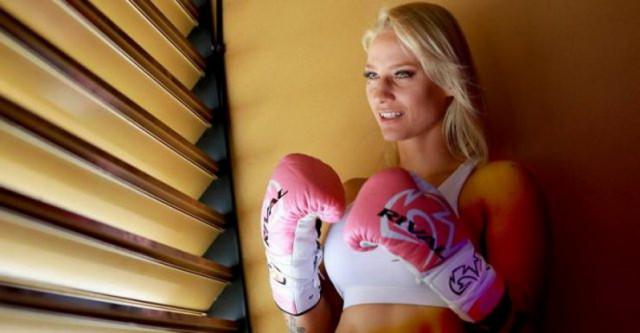 Горячая боксёрша из Австралии (23 фото)