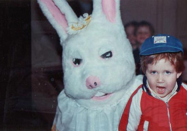 Винтажные пасхальные зайцы, которые могут присниться только в кошмарных снах