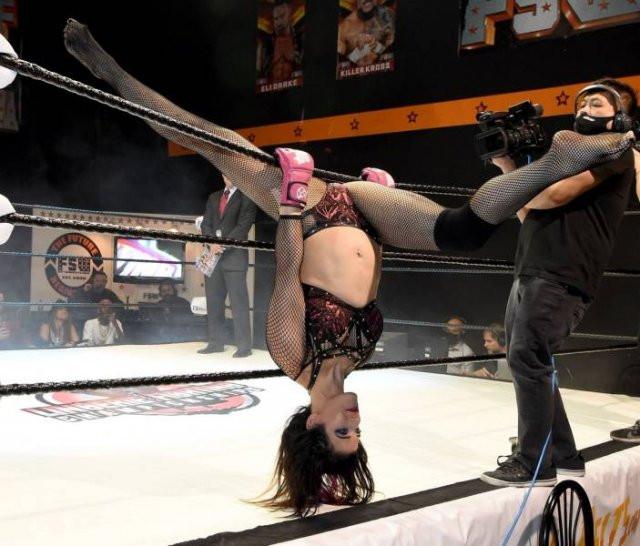 Чемпионат по борьбе в нижнем белье в Лас-Вегасе (42 фото)