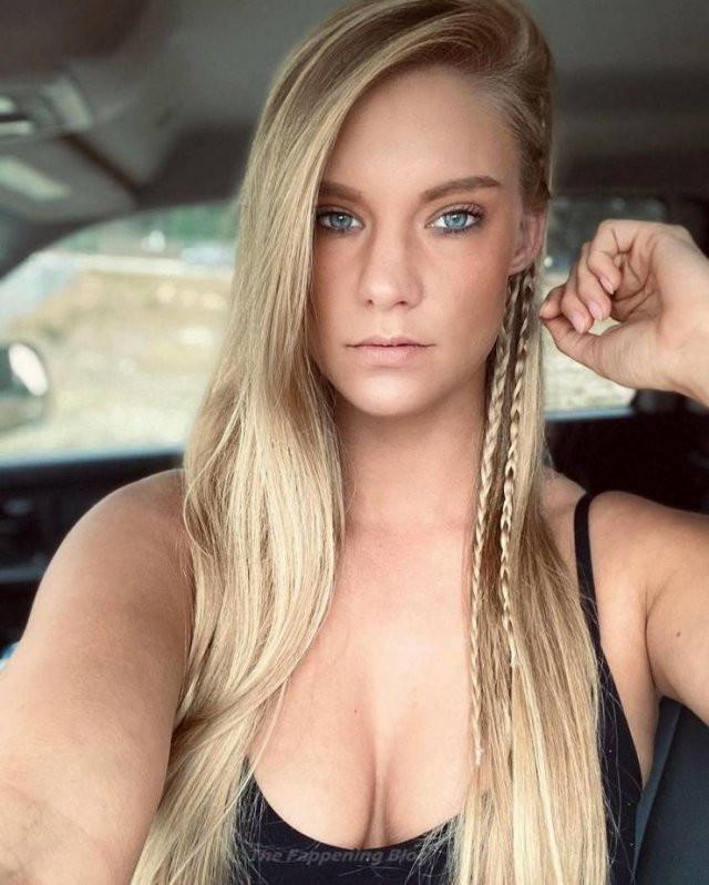 Горячая штучка: американская модель, за свидание с которой готовы заплатить 65 тысяч долларов (23 фото)