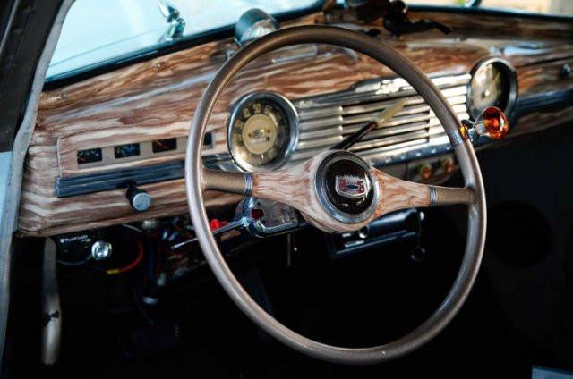 Лоурайдеры настоящих автомобильных энтузиастов