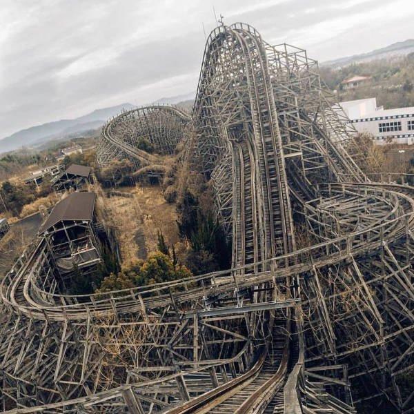Заброшенный японский парк развлечений