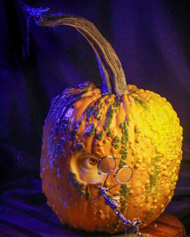 Художник по резьбе превращает овощи и фрукты в персонажей, вдохновлённых поп-культурой