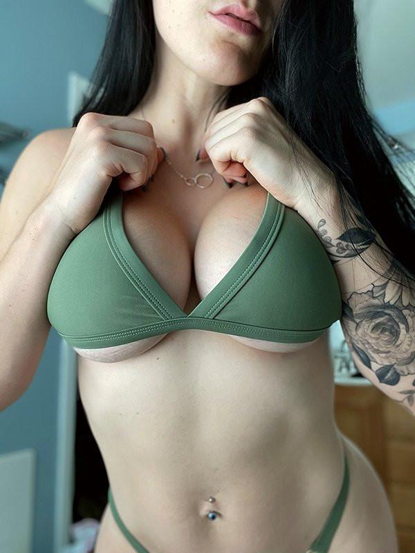 Девушки с татуировками (27 фото)