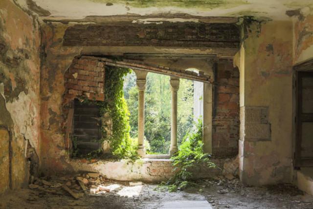 Атмосферные фотографии заброшенных мест