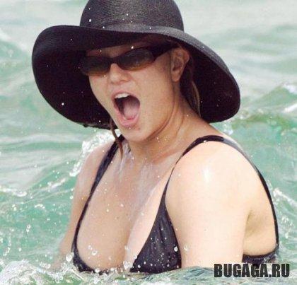 Britney Spears на пляже