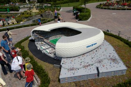 Стадион из Lego