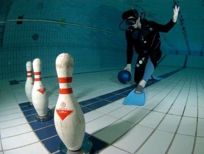 Подводный боулинг