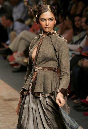 Неделя моды в Нью-Дели