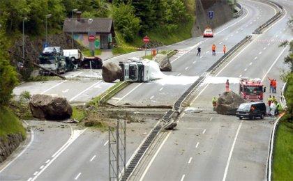 Жёсткая авария на швейцарском автобане.