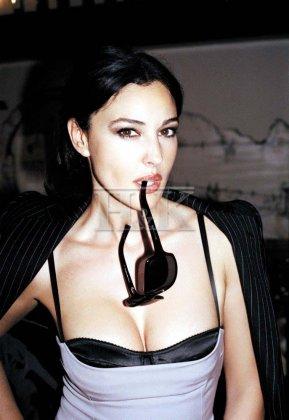 Моника Беллучи, 6 фото