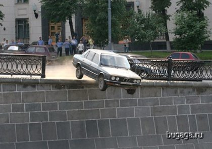 Утопилась BMW. Жаль...