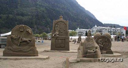 Ещё скульптуры из песка.