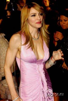 Мадонна не в лучшем ракурсе...