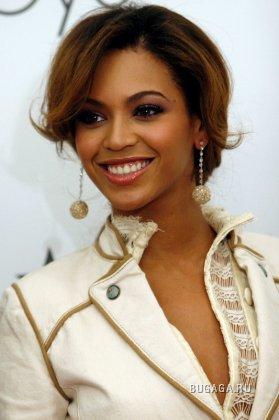 Beyonce с мамой представила в Чикаго свою линию House of Dereon