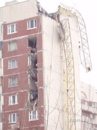 Падение крана в СПб