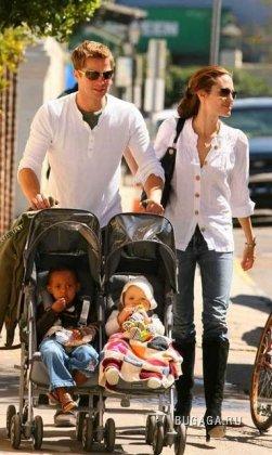 Брэд Питт и Анджелина со своими детками