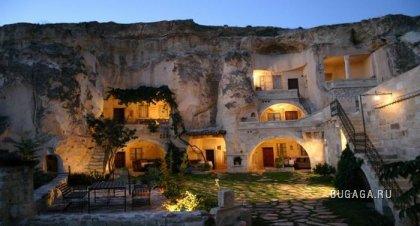 Пещерные отели.