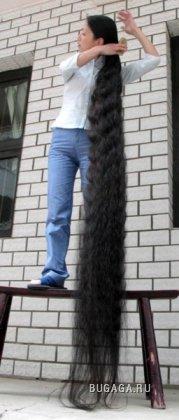 Девушка с волосами длиной 2 м 42 см