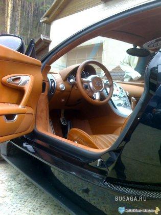 Bugatti Veyron и дом его владельца (Румыния)