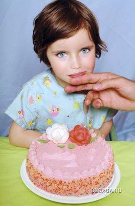 Фотограф Alain Delorme за серию Little Dolls получил премию Arcimboldo 2007