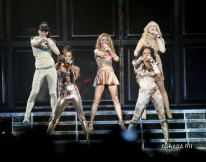 Spice Girls начали мировой концертный тур