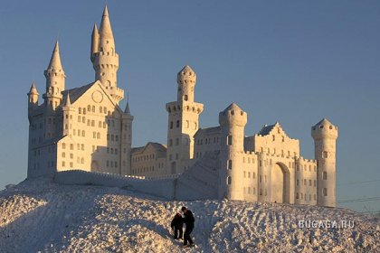 Ночная иллюминация ЛЕДЯНОГО ГОРОДА. Снежные скульптуры.